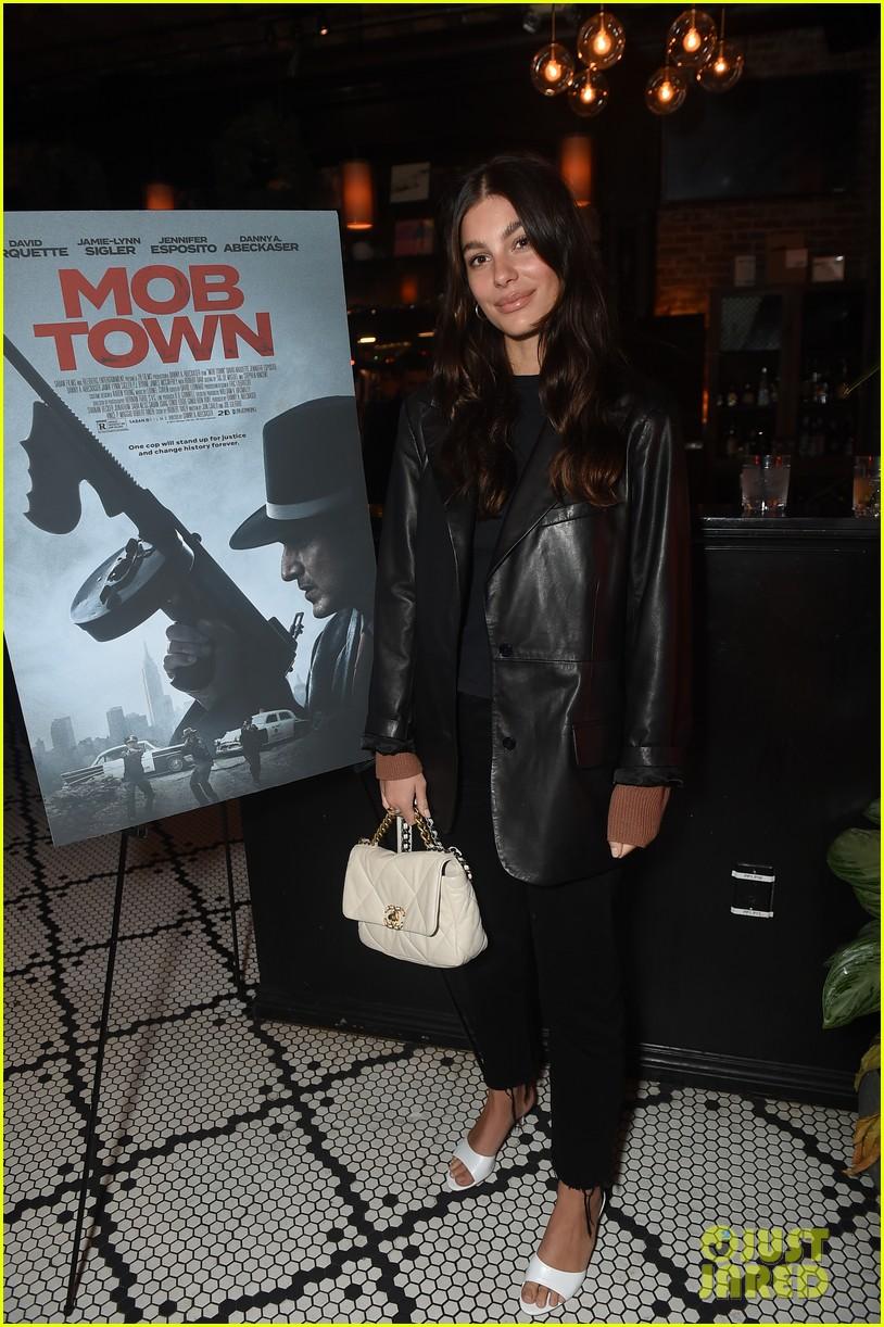 david arquette supported patricia rosanna mob town premiere 014403655