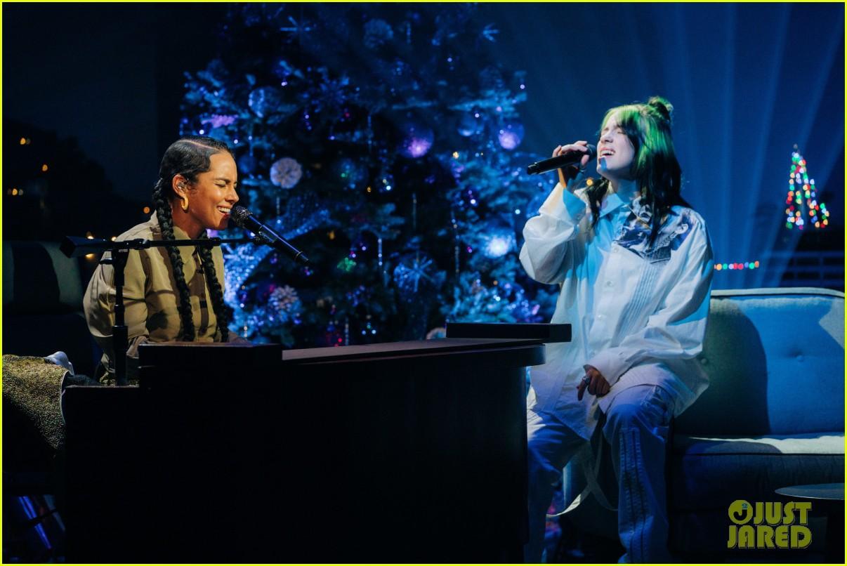 billie eilish alicia keys covers duet corden show 044400893
