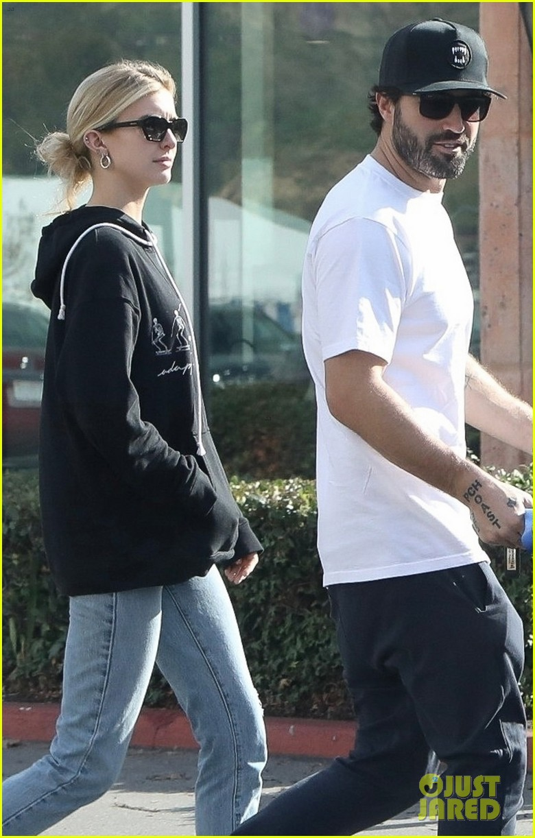 brody jenner steps out with rumored new girlfriend 054399572