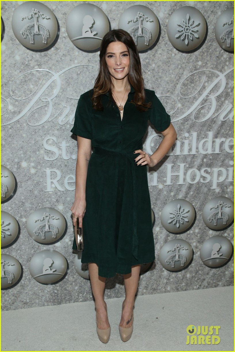 brooks brothers holiday party 114400072