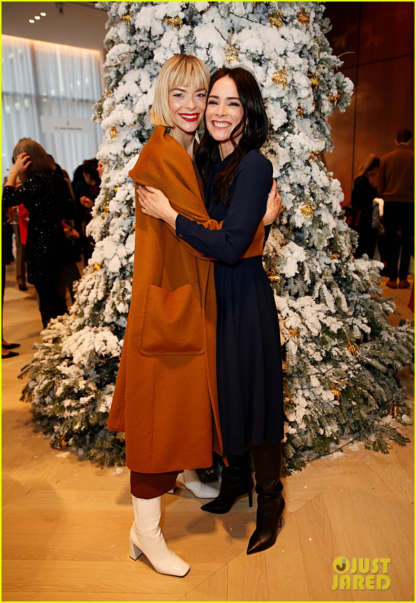 brooks brothers holiday party 334400094