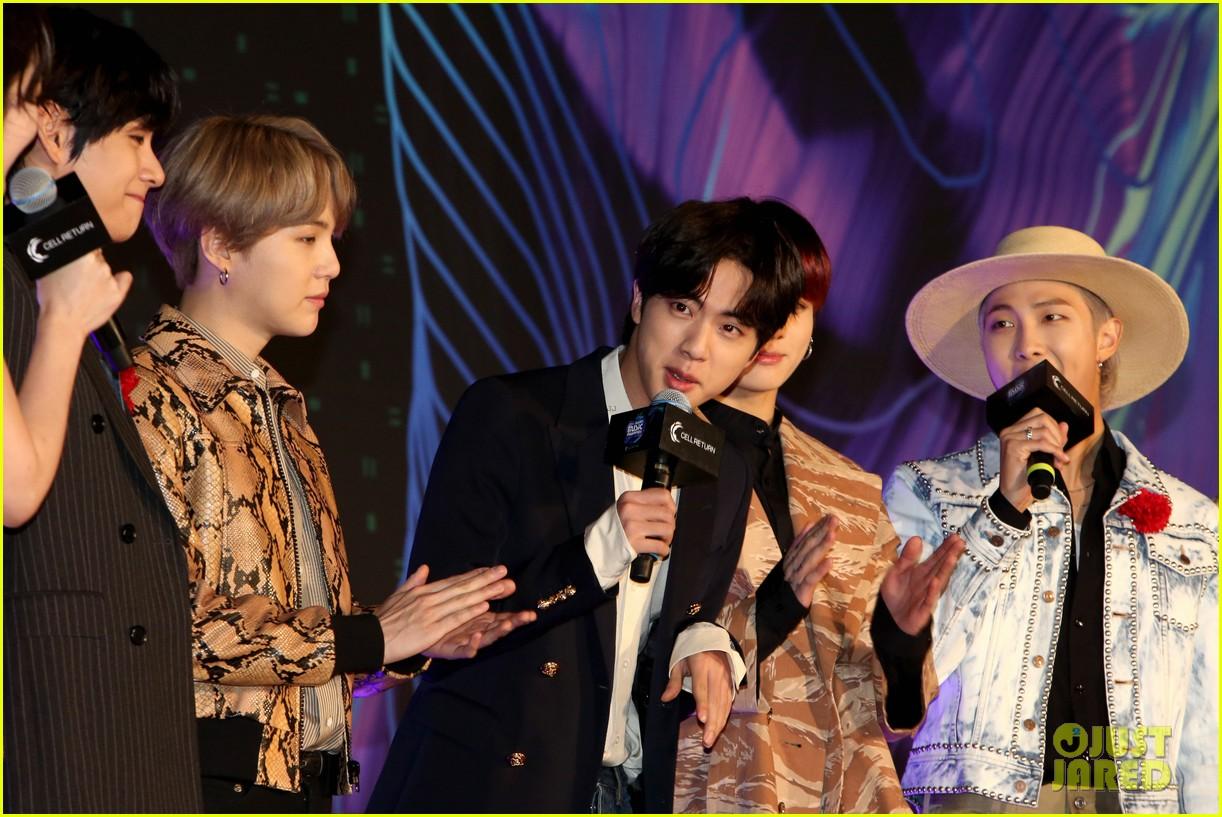 bts mnet awards jin bday hat pics 054398034