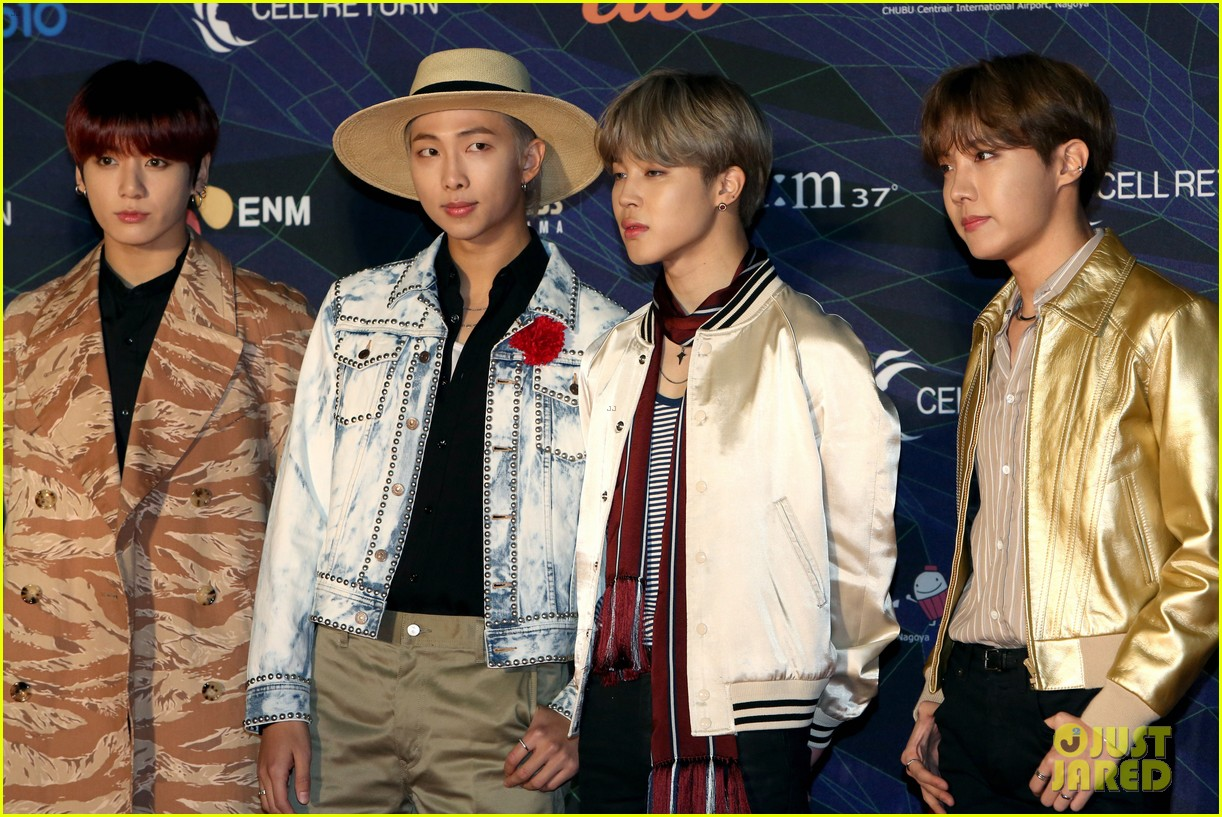 Bts S Jin Wears Birthday Hat During Mnet Asian Music Awards 2019 Photo 4398039 Bts J Hope Jimin Jin Jungkook Rm Suga V Pictures Just Jared