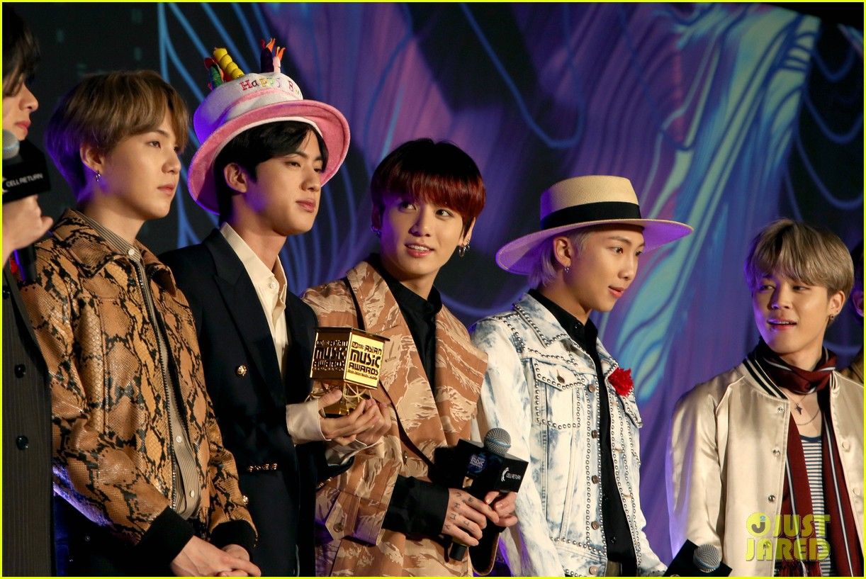 Bts S Jin Wears Birthday Hat During Mnet Asian Music Awards 2019 Photo 4398045 Bts J Hope Jimin Jin Jungkook Rm Suga V Pictures Just Jared