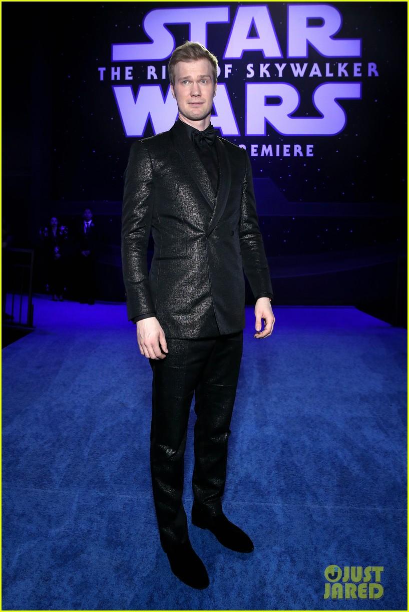 Harrison Ford Joins Mark Hamill Star Wars Cast At Rise Of Skywalker Premiere Photo 4404316 Anthony Daniels Billy Dee Williams Dominic Monaghan Greg Grunberg Harrison Ford Ian Mcdiarmid John Williams
