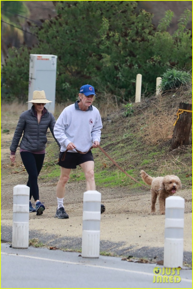 felicity huffman william h macy couple up morning hike 034399870