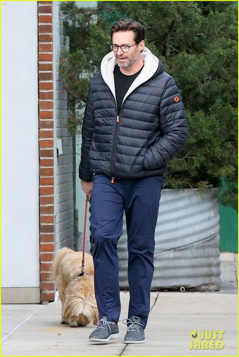 hugh jackman christmas day dog walk 054406873