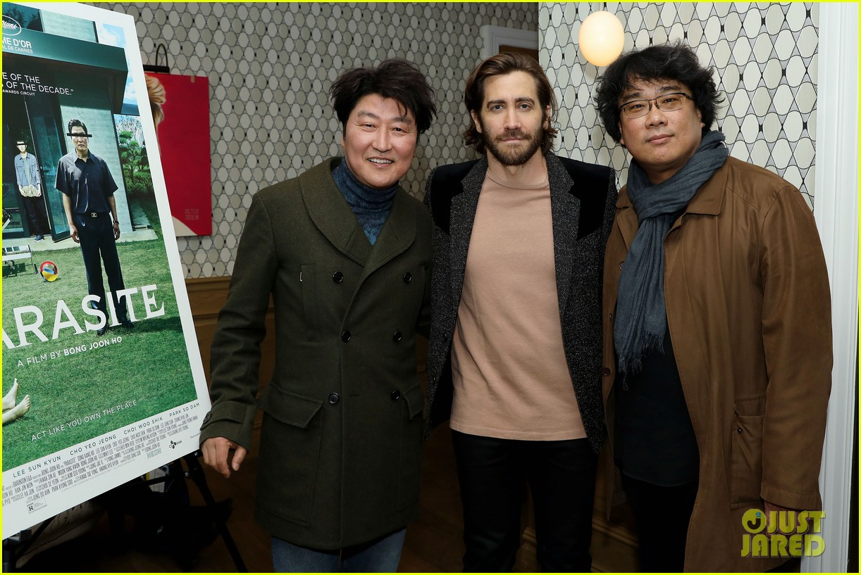 jake gyllenhaal shows support at parasite screening 034400226