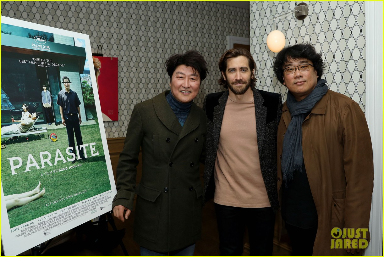 jake gyllenhaal shows support at parasite screening 054400228