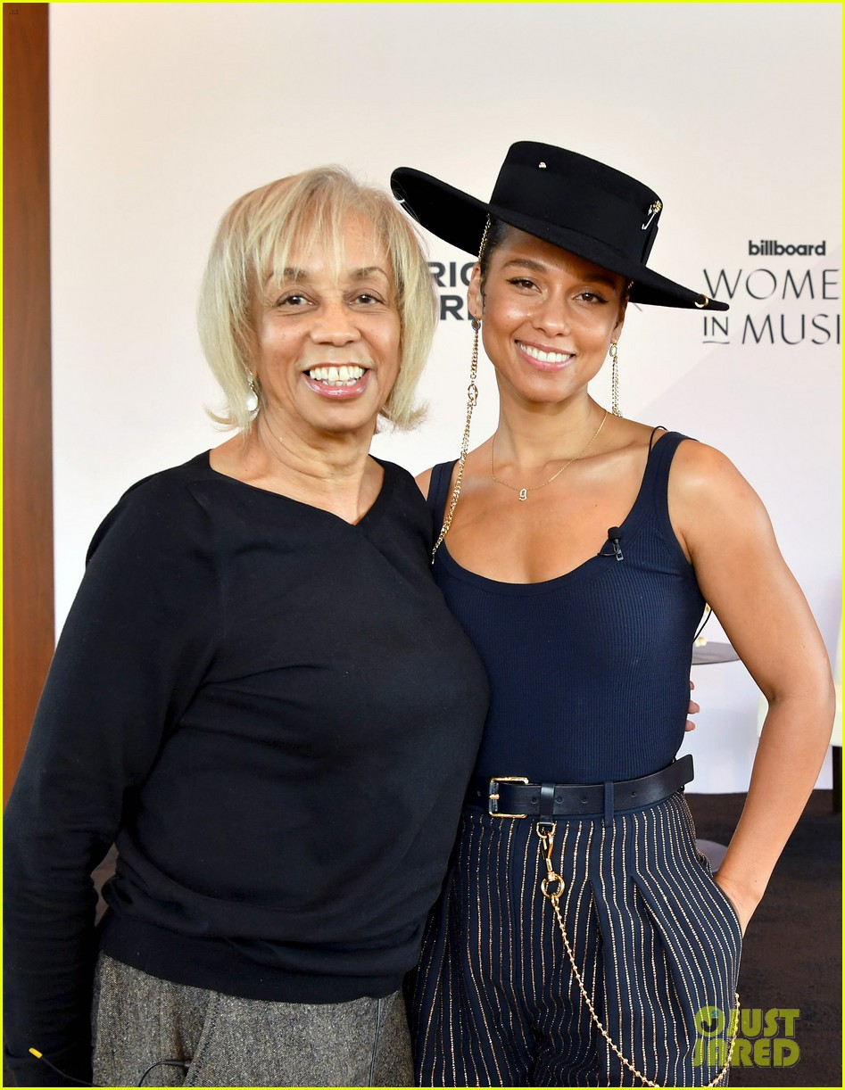 alicia keys wants hiring women to become the standard 054402160