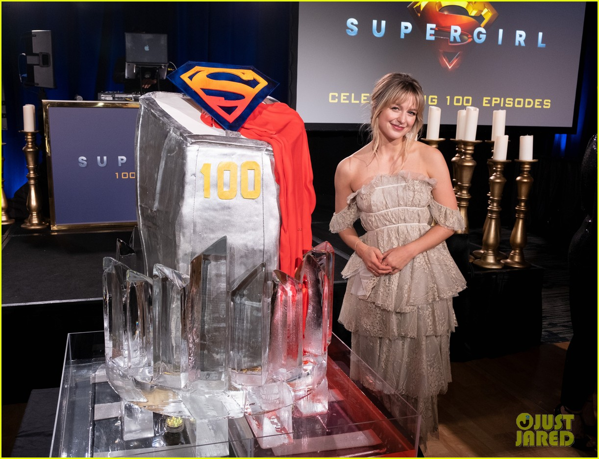 melissa benoist chris wood celebrate 100 episodes of supergirl 014403538