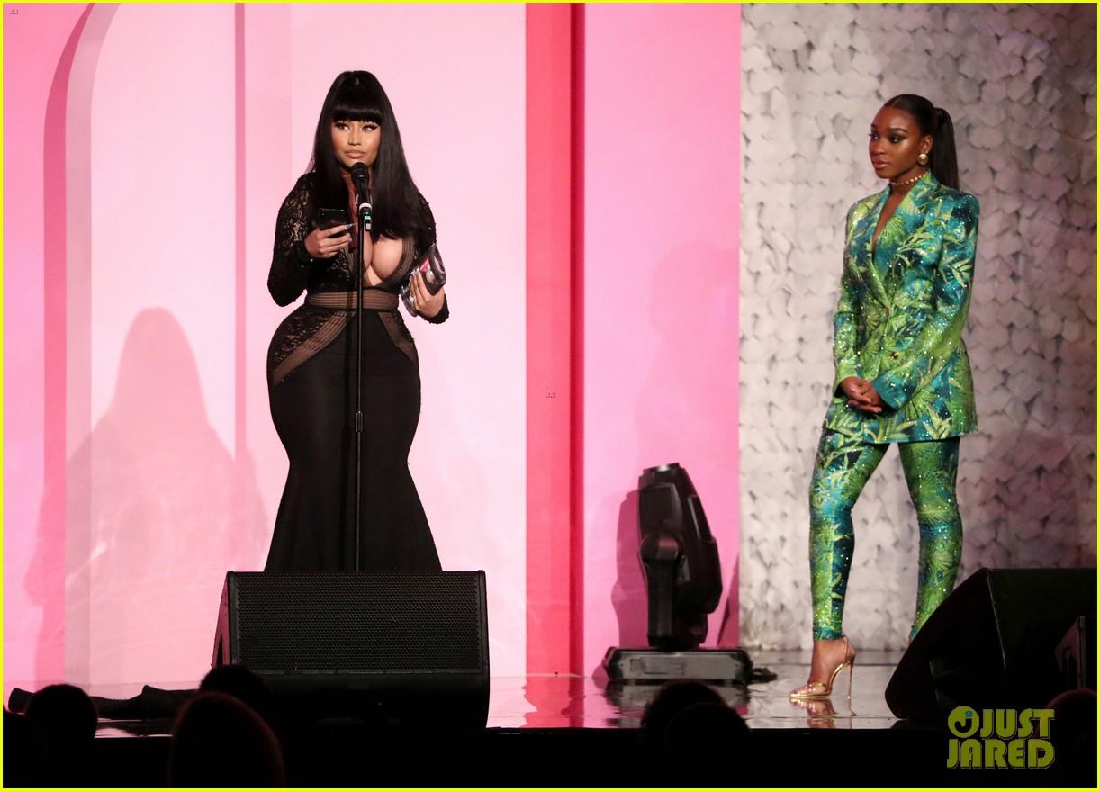 nicki minaj honors juice wrld during billboard 2019 women in music speech 024402515