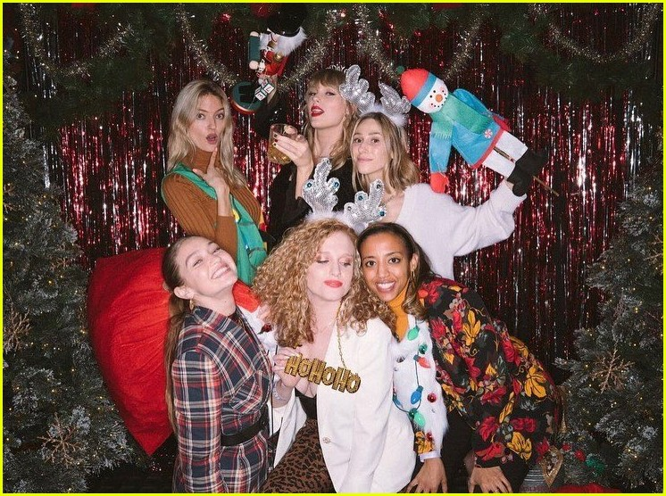 taylor swift birthday party inside 014403347