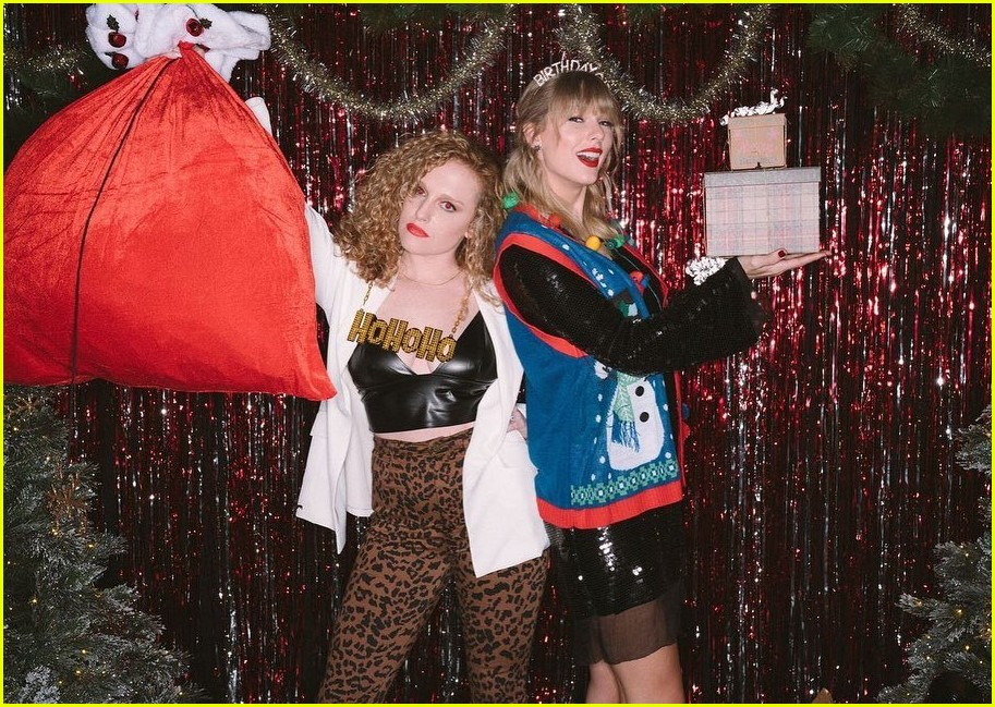 taylor swift birthday party inside 024403348