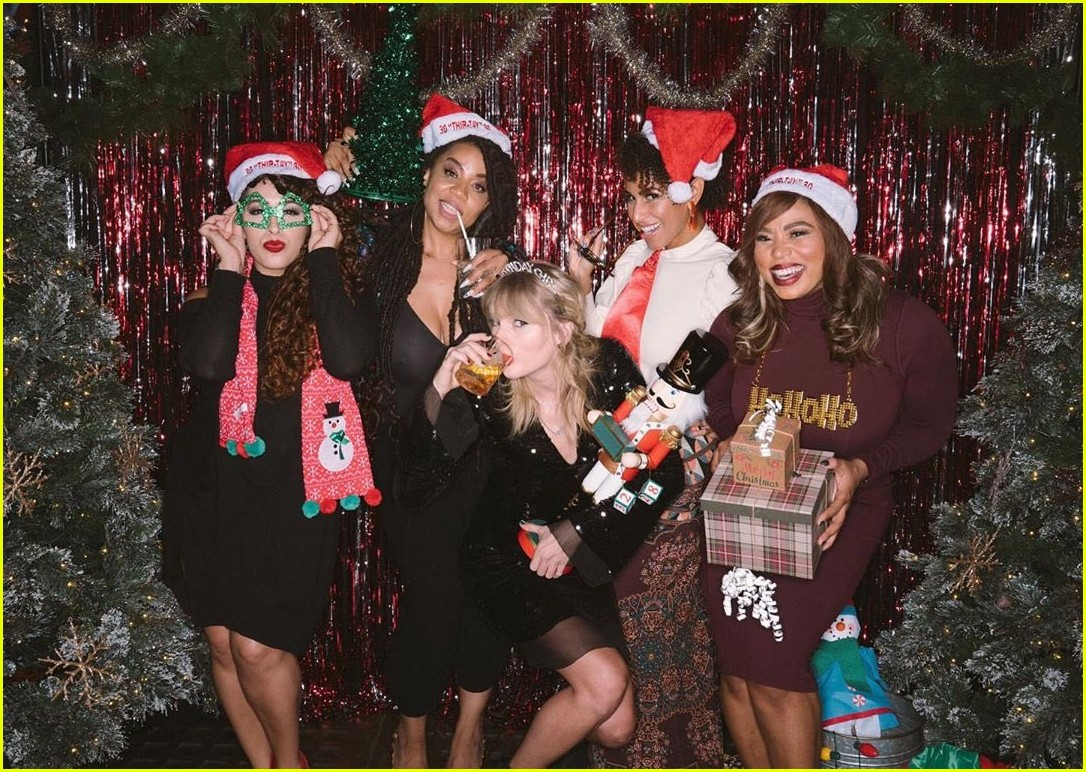 taylor swift birthday party inside 084403354