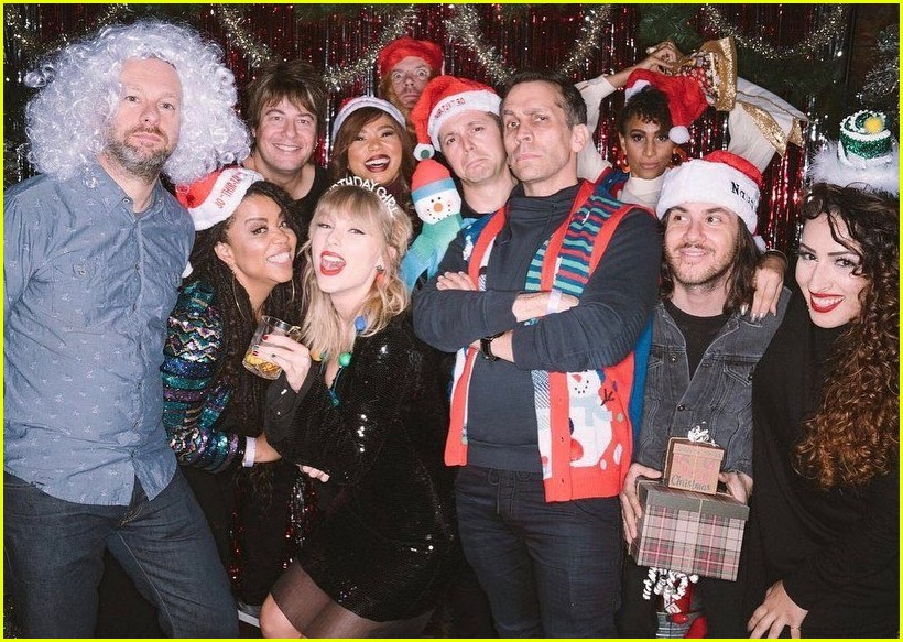 taylor swift birthday party inside 094403355