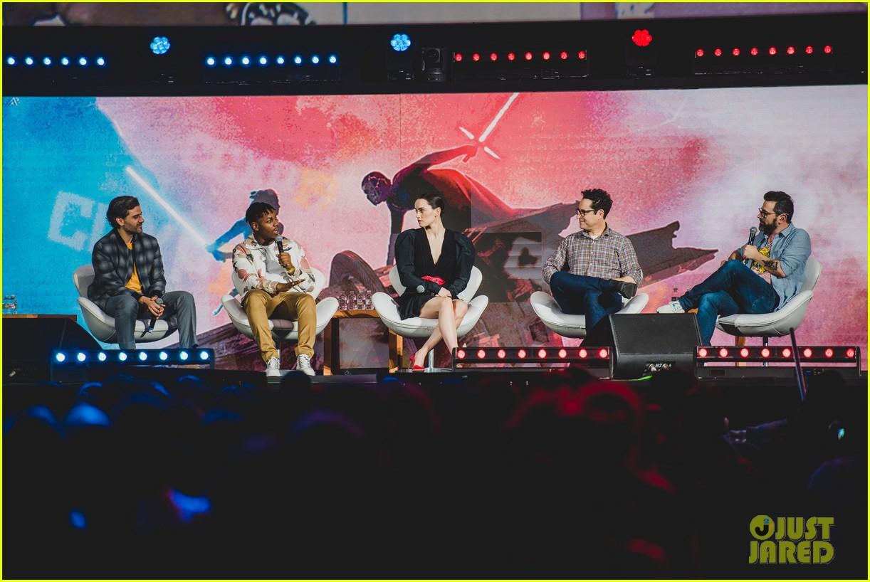 star wars cast promote rise of skywalker brazil comic con 084400333