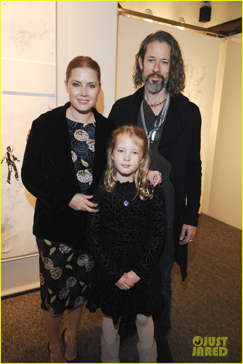 amy adams darren le gallo daughter aviana exhibit opening 034414382
