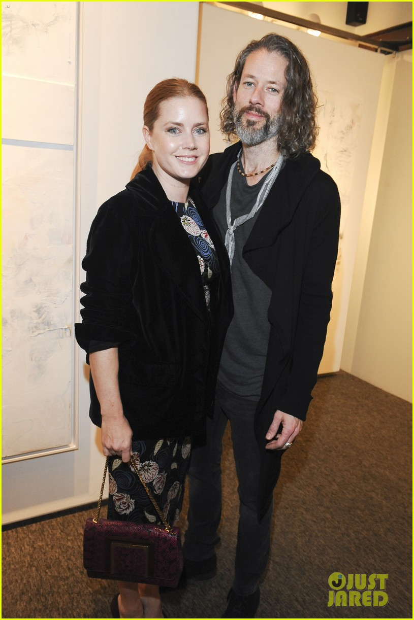 amy adams darren le gallo daughter aviana exhibit opening 144414393