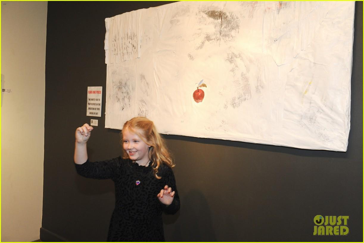 amy adams darren le gallo daughter aviana exhibit opening 214414400