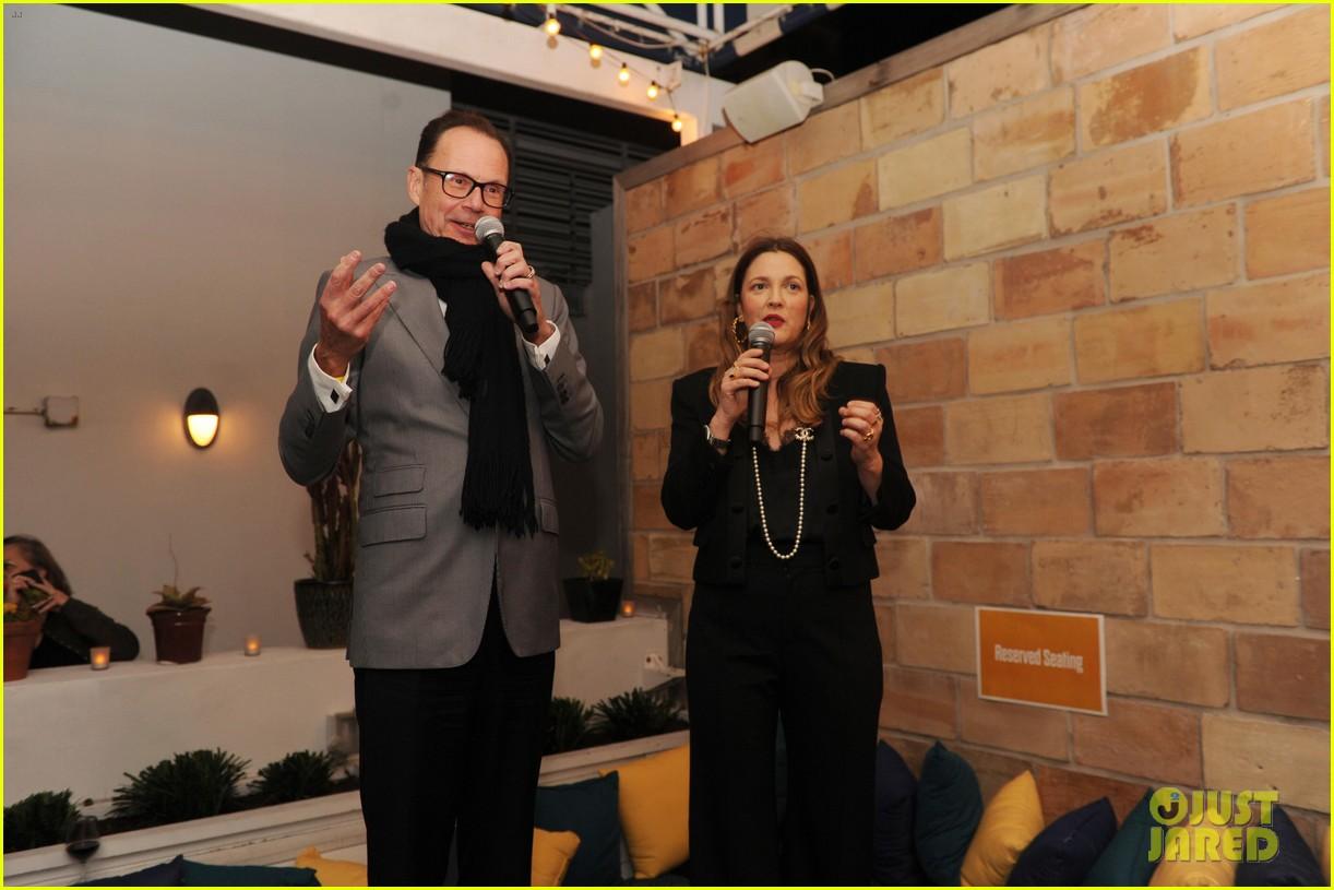 drew barrymore celebrates premiere of daytime talk show 024420187