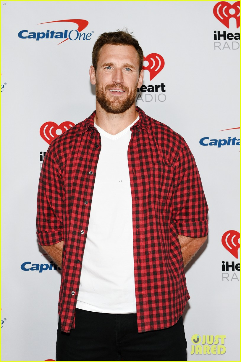 brooks laich comments on his sexuality 024419697