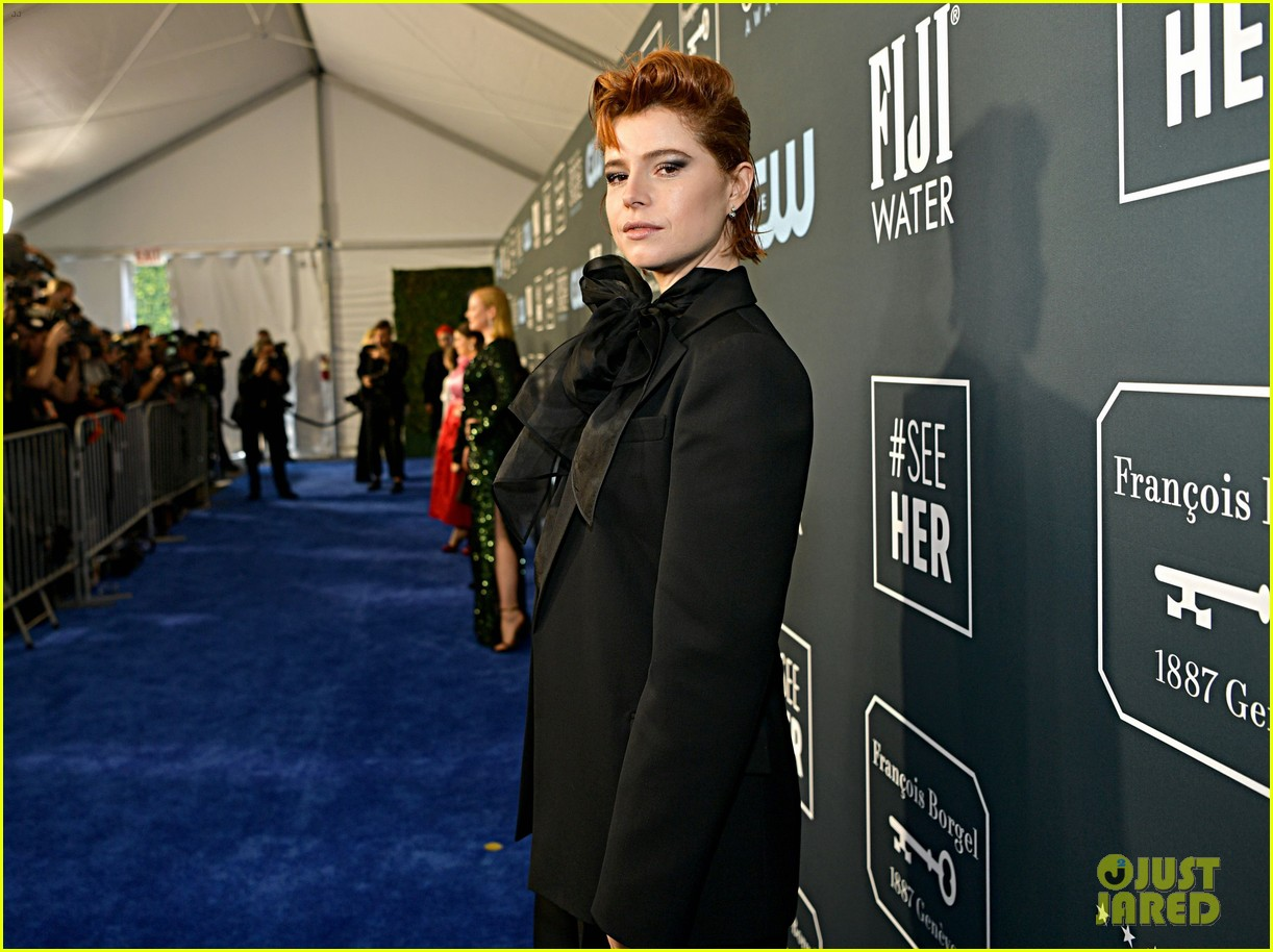 jessie buckley critics choice awards 2020 014415121
