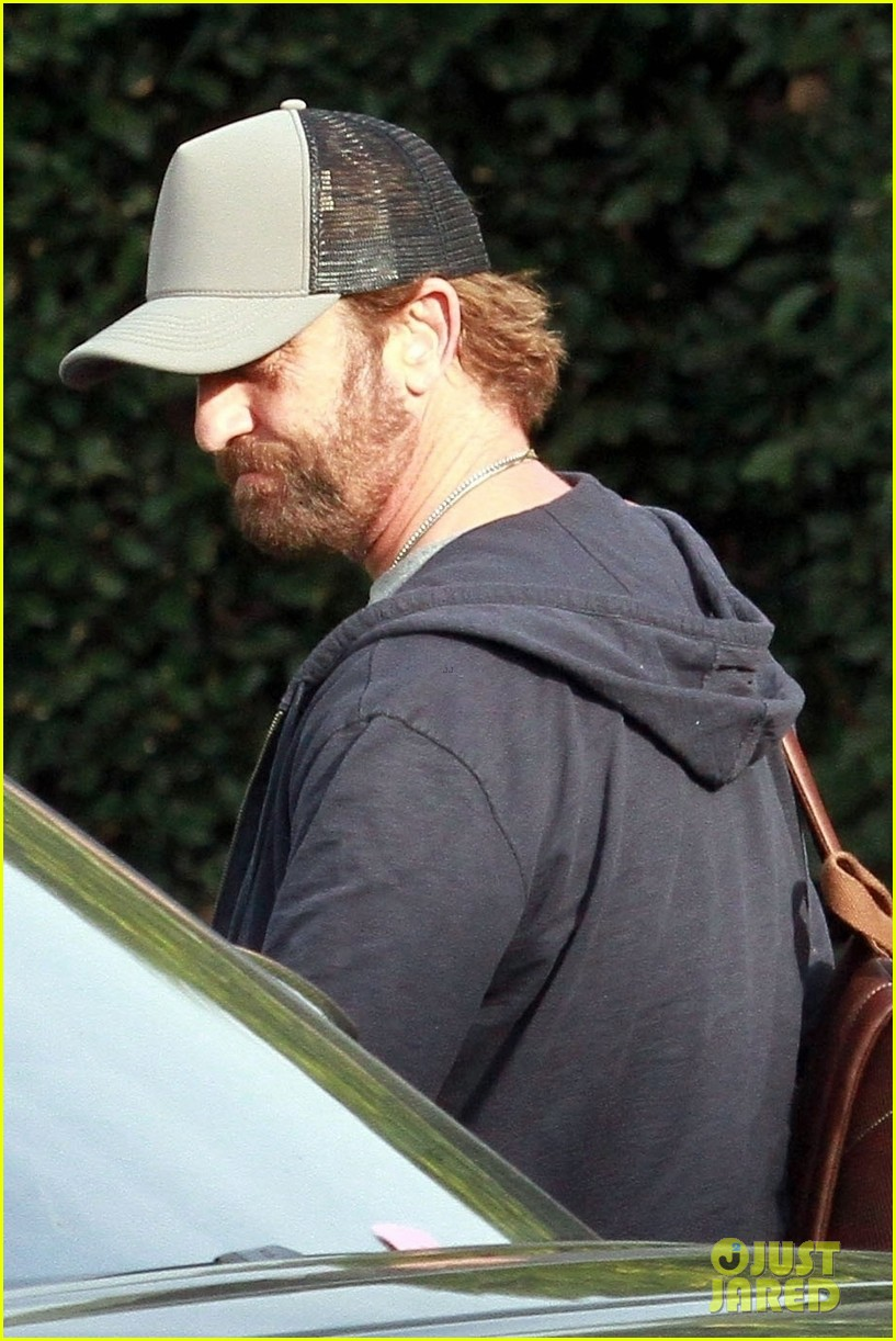 gerard butler all smiles lunch friends weho 034426259