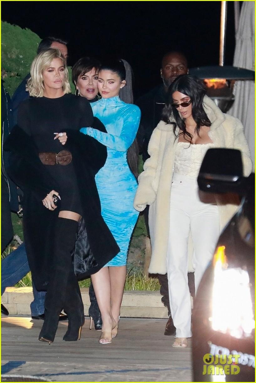 kardashian jenner family dinner at nobu 064413451
