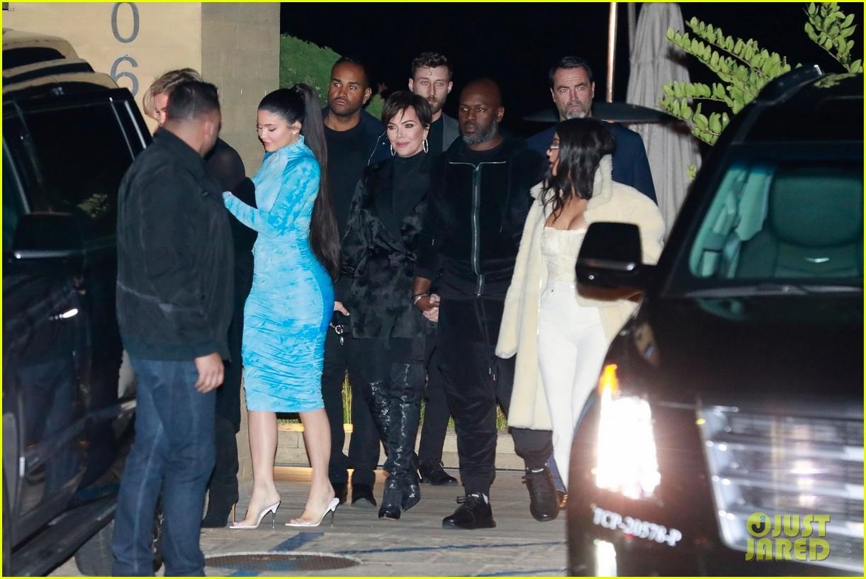 kardashian jenner family dinner at nobu 184413463