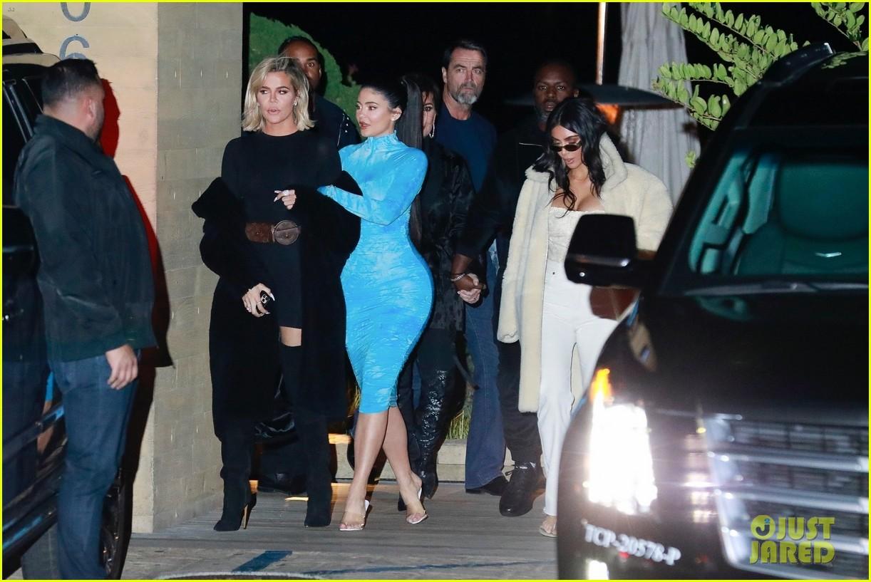 kardashian jenner family dinner at nobu 194413464