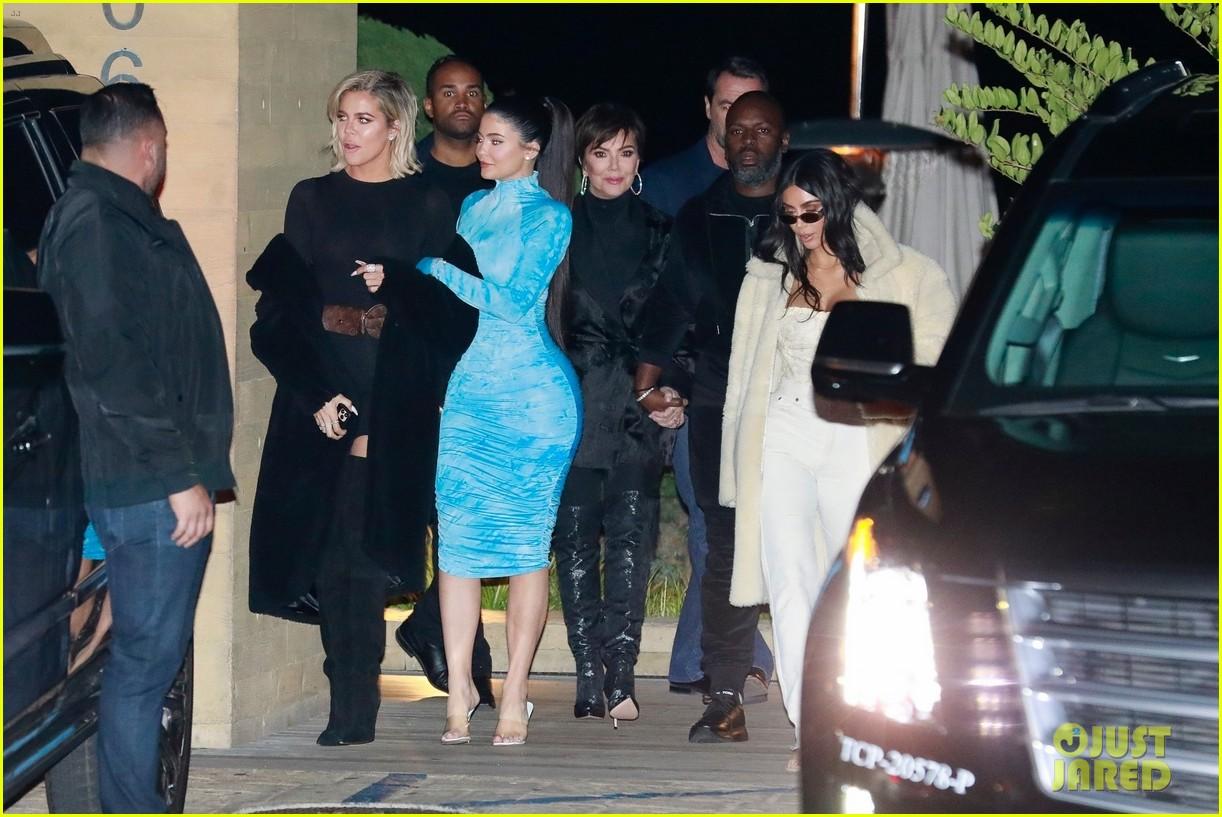 kardashian jenner family dinner at nobu 204413465
