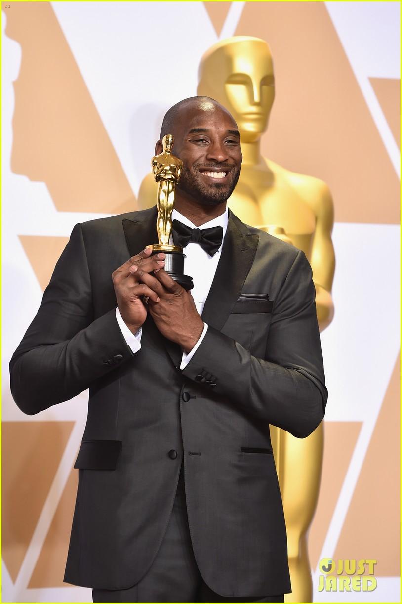 Celebrities React to Kobe Bryant's Tragic Death: Photo ...