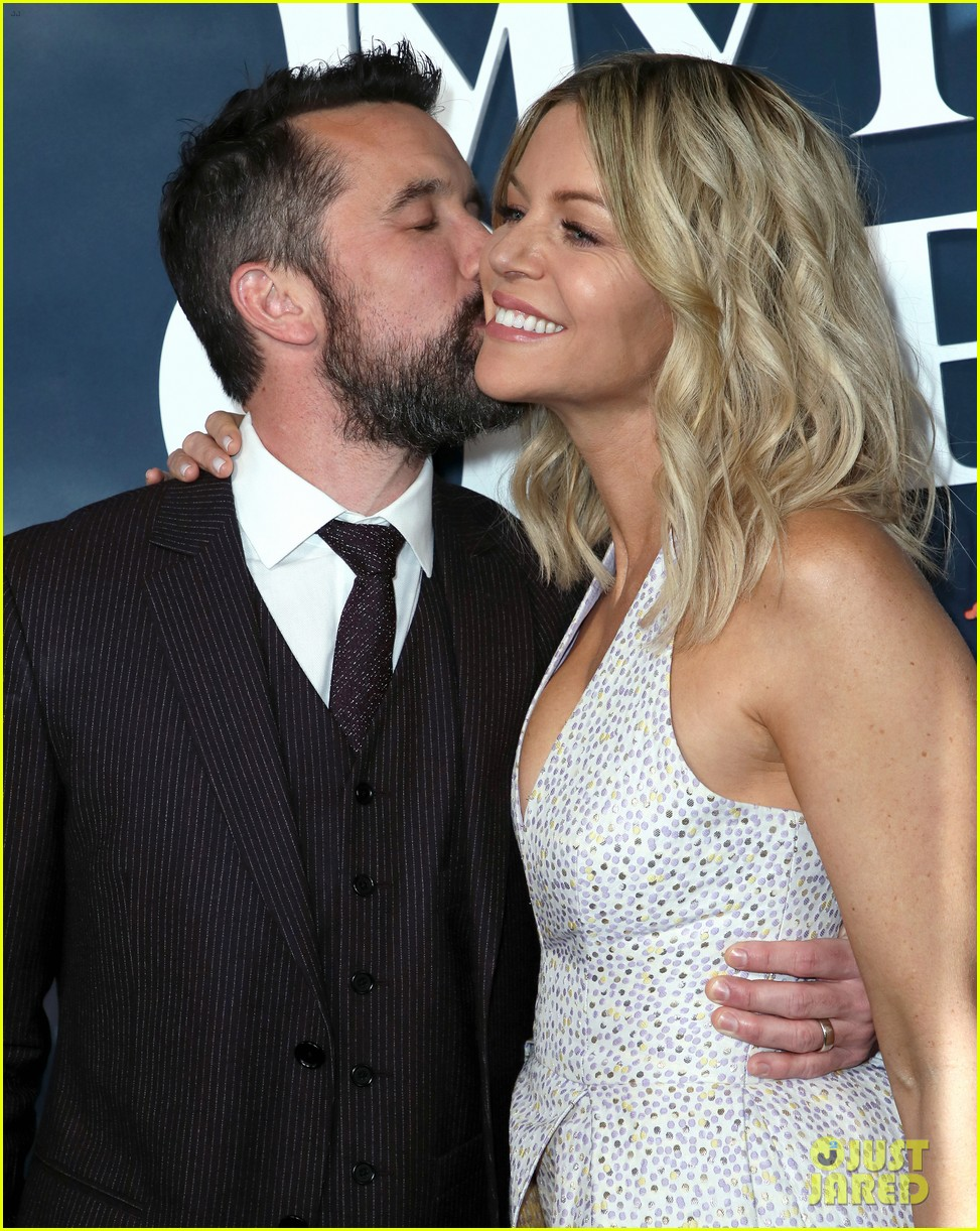 rob mcelhenney supported kaitlin olson charlie day mythic quest premiere 044425953