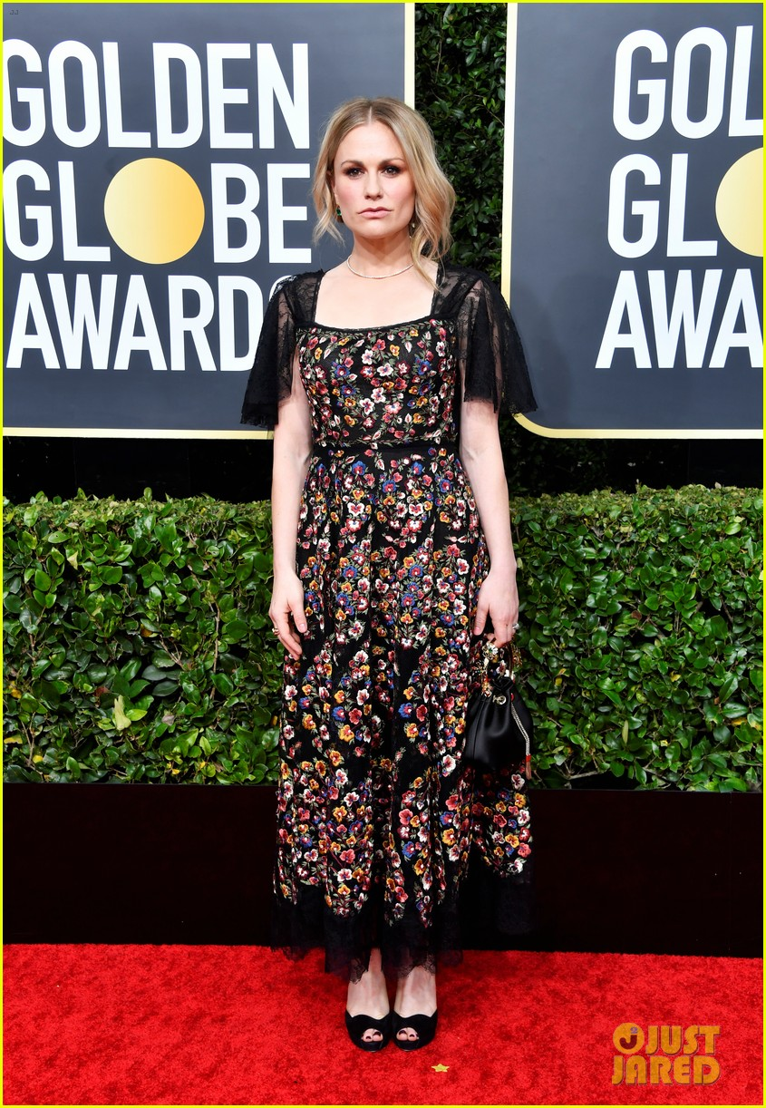 anna paquin floral look golden globes 2020 stephen moyer 064409946