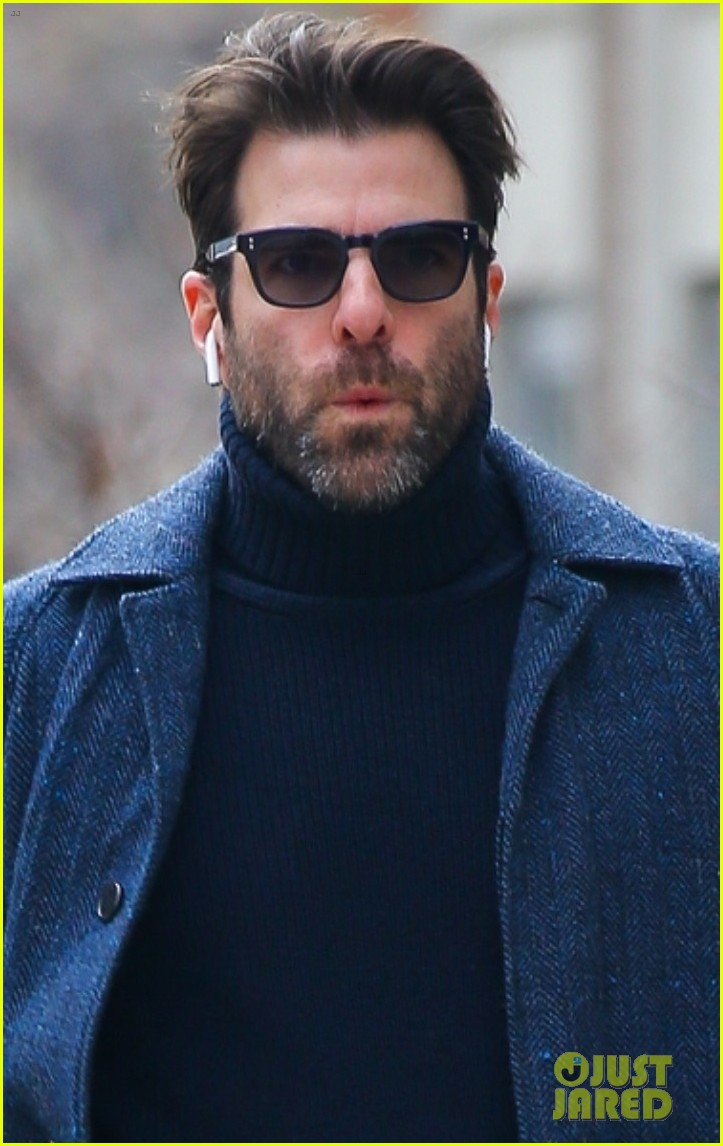 zachary quinto cool walk nyc 054412063
