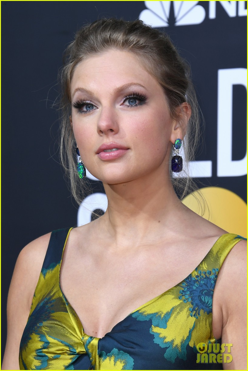 http://cdn01.cdn.justjared.com/wp-content/uploads/2020/01/swift-globescarp/taylor-swift-golden-globes-2020-red-carpet-02.jpg