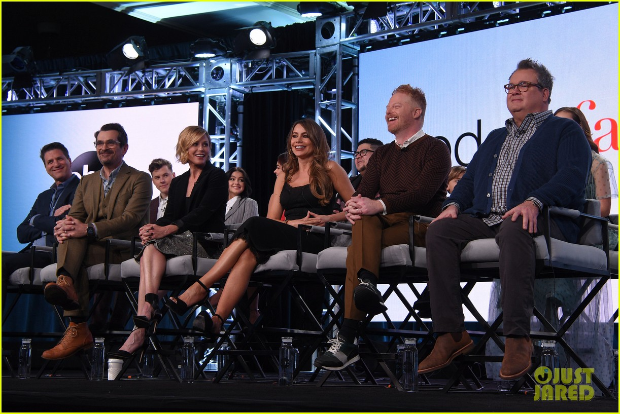 sofia vergara modern family cast confirm april end with goodbye series finale 024413020