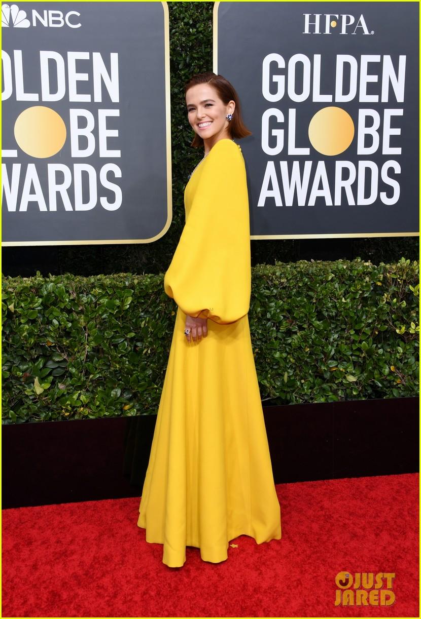 Zoey Deutch Represents The Politician At Golden Globes