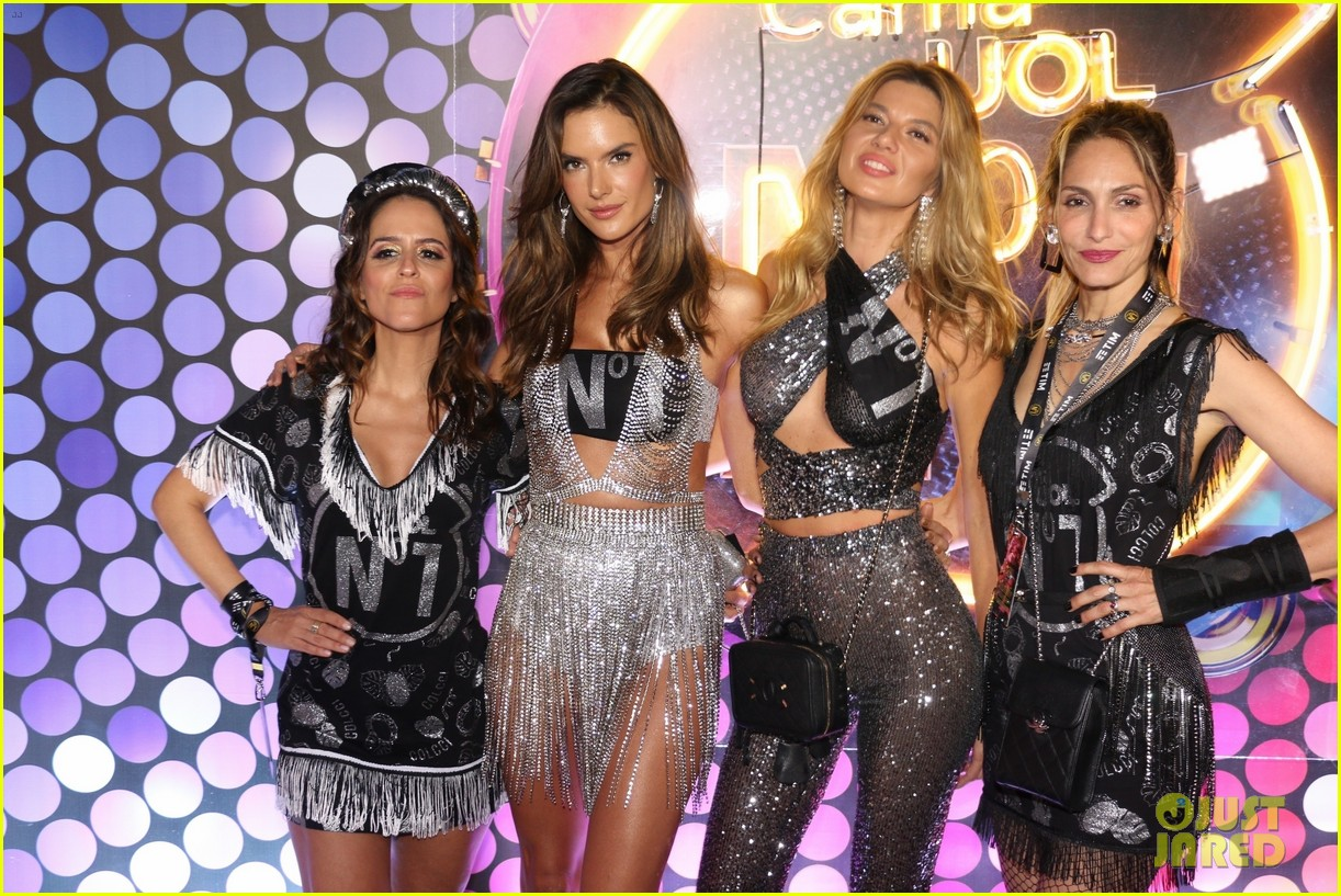 alessandra ambrosio lives it up at carnival 2020 in brazil 074441376