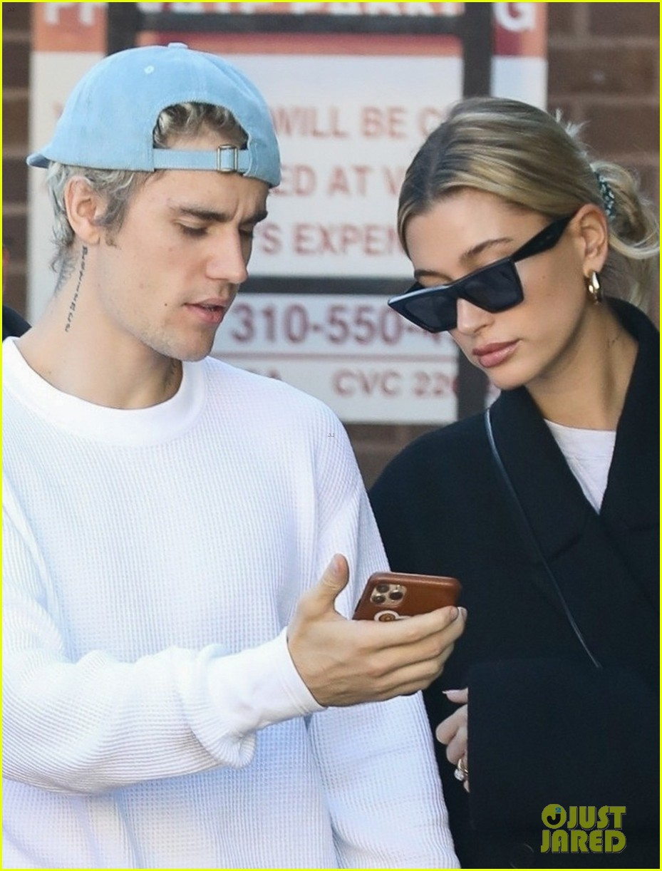 justin bieber clean shaven quality time with hailey 024438653