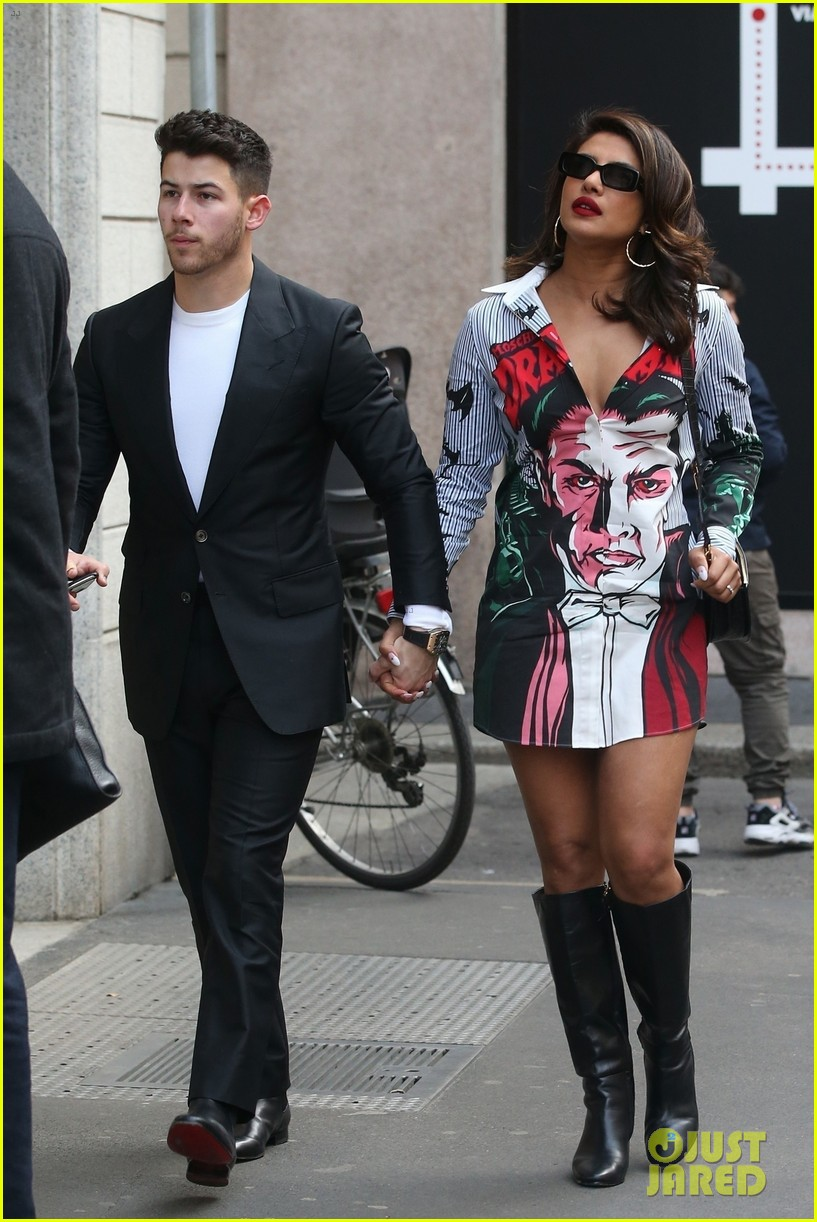 nick jonas priyanka chopra picture couple in milan 034438336