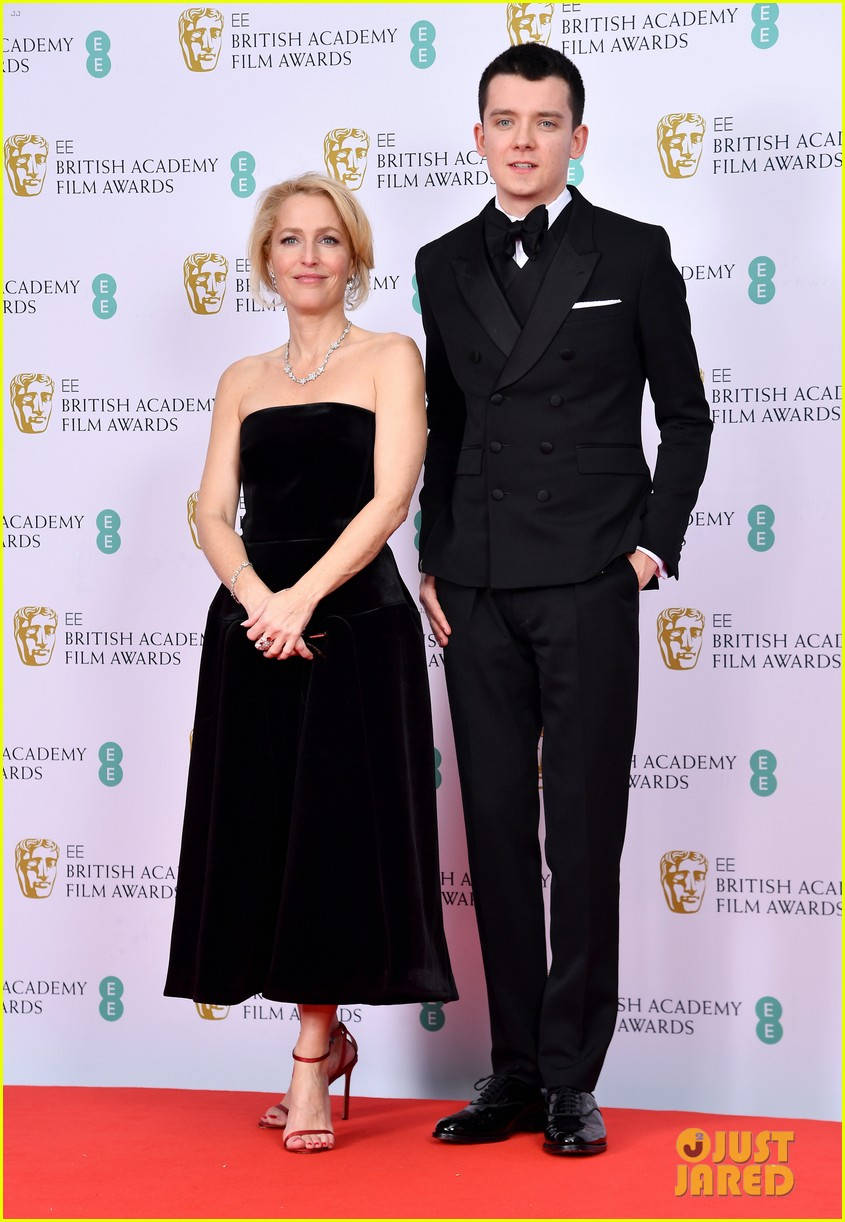 olivia colman vanessa kirby more baftas red carpet 184428408