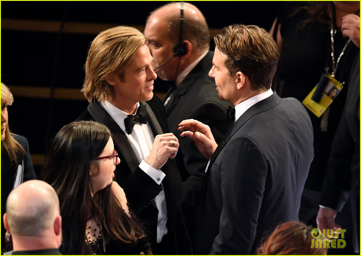 bradley cooper ex girlfriend renee zellweger reunite at oscars 034434322