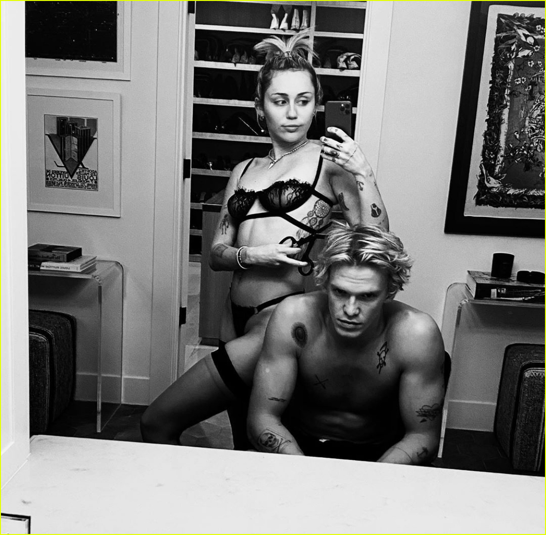 miley cyrus wears sexy lingerie night in cody simpson 014429039