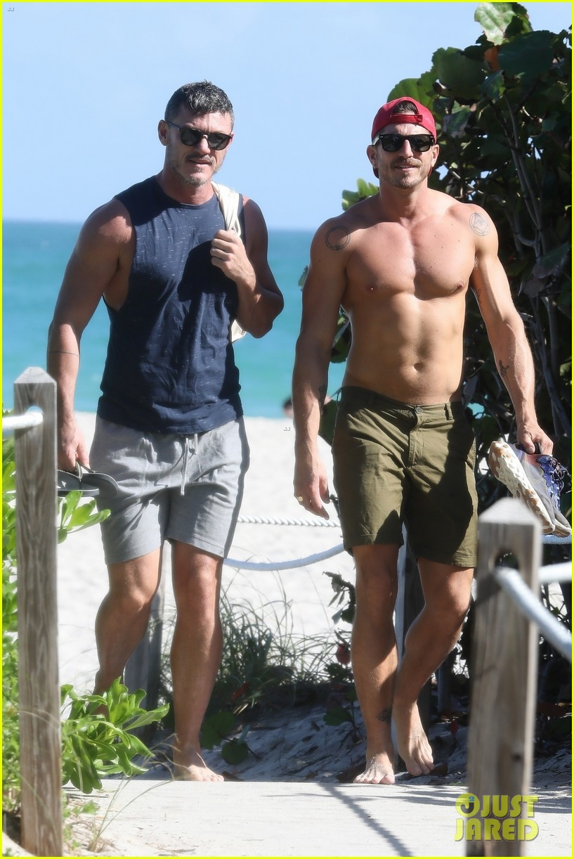 luke evans beach with rafael olarra 024433091