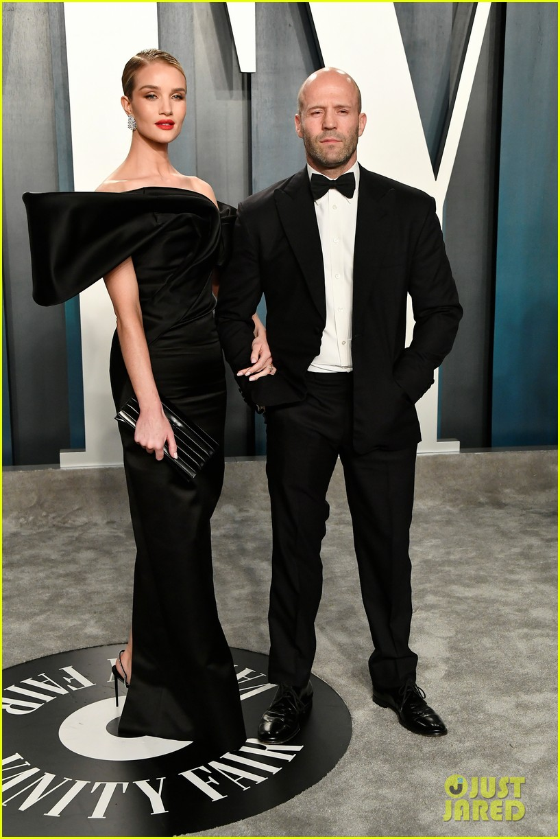 rosie huntington whiteley jason statham stay classy black oscars party 2020 054434932