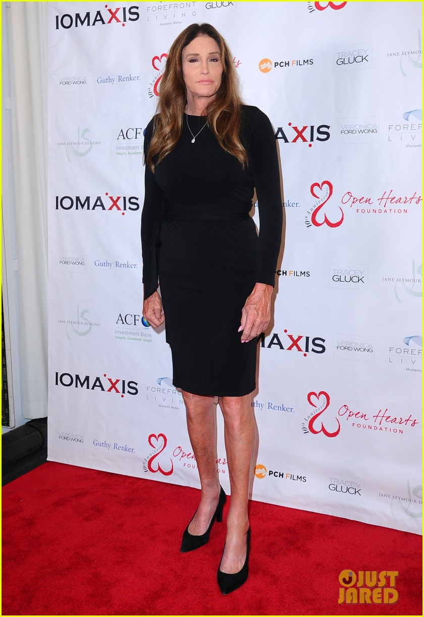 caitlyn jenner ex wife linda thompson hang out open heart foundation gala 054438355
