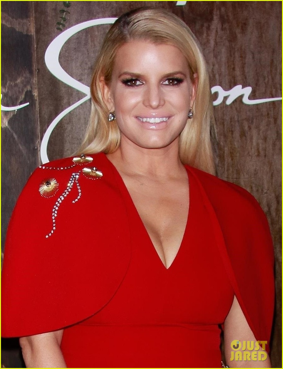 jessica simpson red look book signing event 014430204