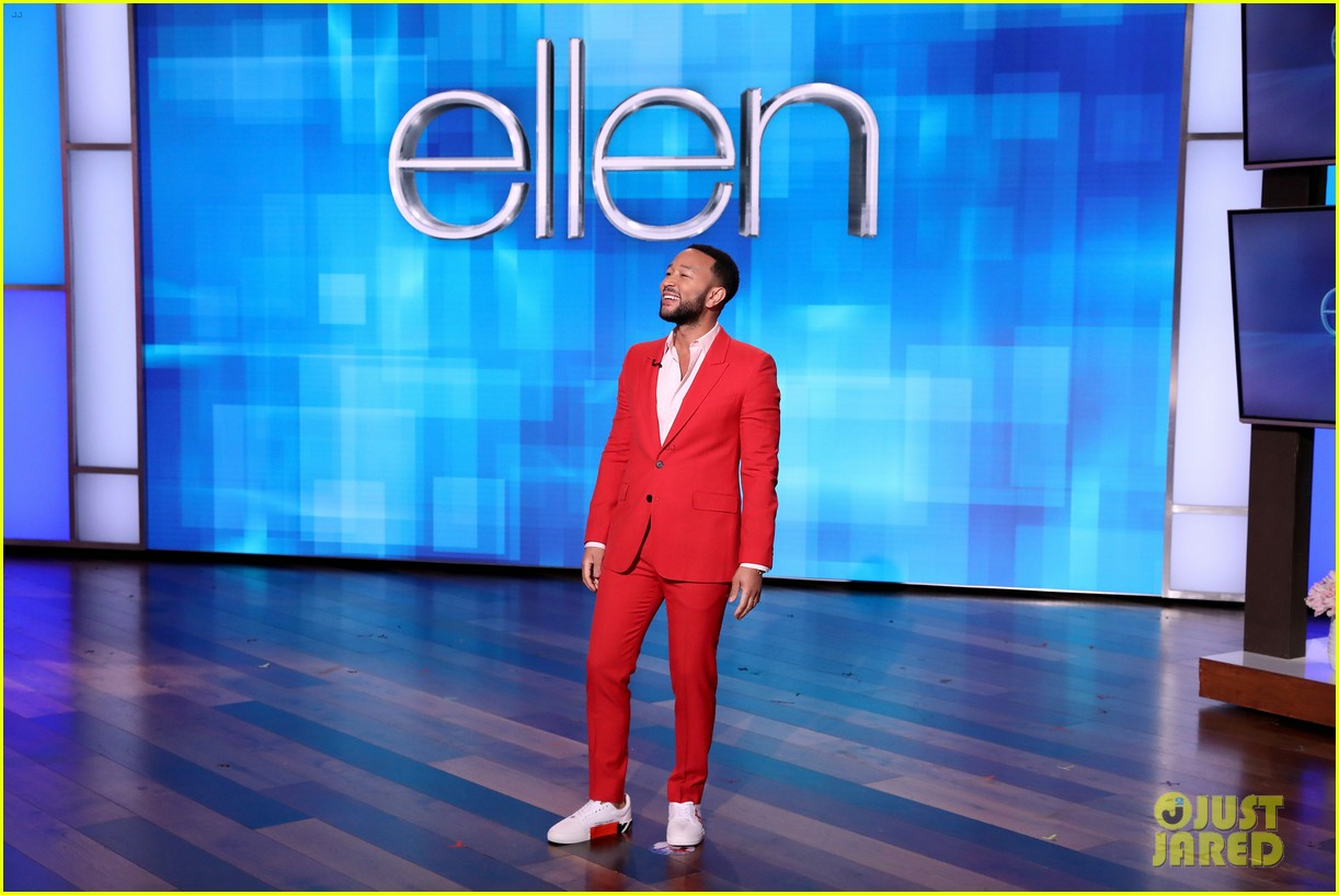 chrissy teigen guest hosts ellen with guest gwyneth paltrow 074437612